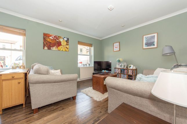Thumbnail Maisonette for sale in 126 Parish Lane, Penge