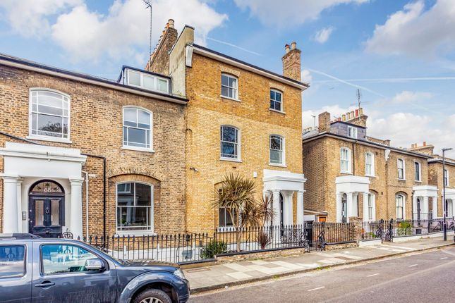 Thumbnail Semi-detached house for sale in Hamilton Park West, London