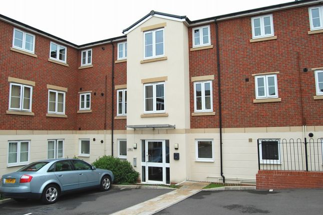 Thumbnail Flat to rent in Dixon Close, Redditch