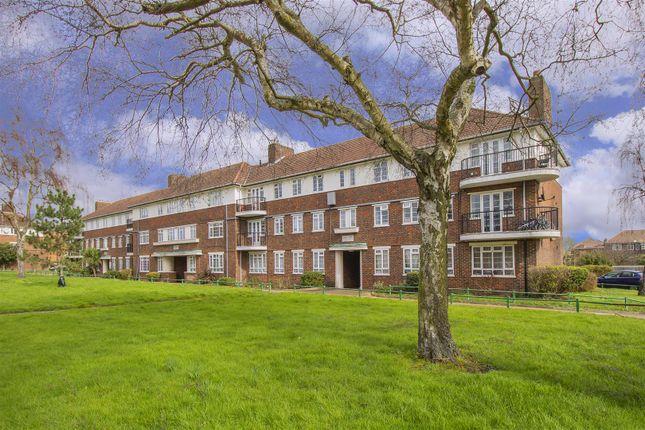 Thumbnail Flat for sale in Ashridge Court, Reservoir Road, Oakwood