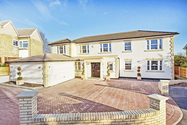 Thumbnail Detached house for sale in Bassingbourne Close, Broxbourne
