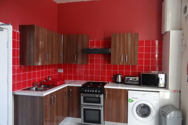 Thumbnail Flat to rent in Mansfield Road, Nottingham