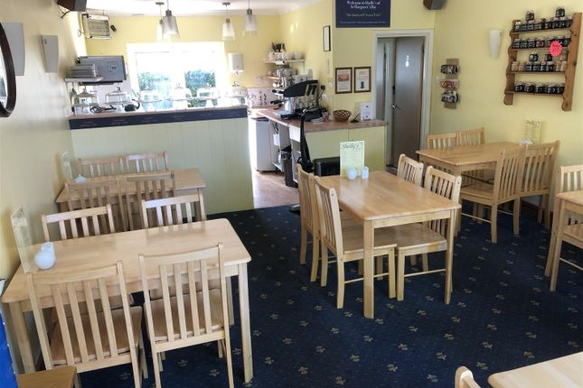 Thumbnail Restaurant/cafe to let in The Droveway, St. Margarets Bay, Dover