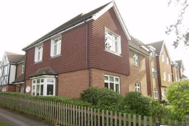 Thumbnail Flat to rent in Elmcroft Drive, Chessington