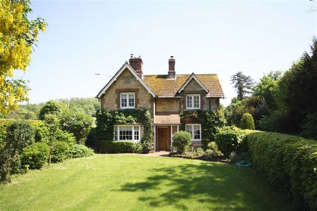 Thumbnail Cottage for sale in Old Derry Hill, Calne, Wiltshire