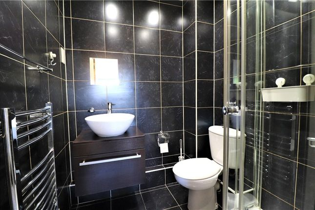 En-Suite of Hever Hall, Conisbrough Keep, Coventry, West Midlands CV1