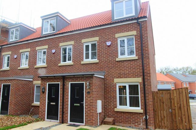 Thumbnail Town house to rent in Peverell Walk, Darlington