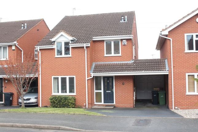 Front of Celandine Close, Kingswinford DY6