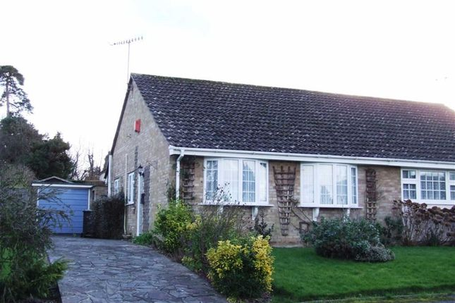 Thumbnail Bungalow to rent in Stoneleigh Close, East Grinstead, West Sussex