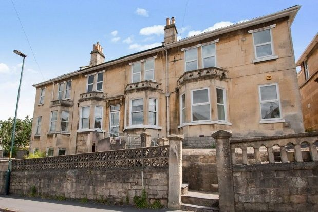 6 bed property to rent in Lower Oldfield Park, Bath