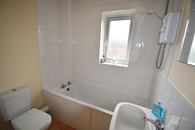 Bathroom of Whitsun Pasture, Willen Park, Milton Keynes MK15