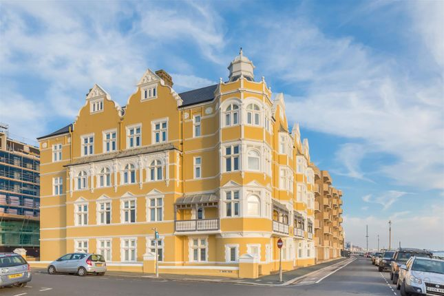 Thumbnail Flat for sale in Kings Esplanade, Hove