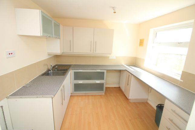 Thumbnail Flat to rent in Larch Road, Milford Haven