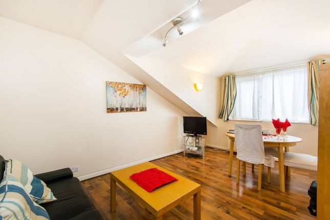 Thumbnail Flat for sale in Alexander Lodge, Croydon