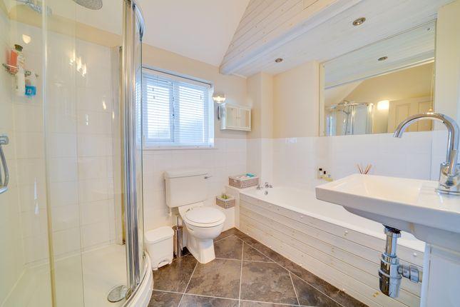 Family Bathroom of Wellington Street, St. Ives, Huntingdon PE27