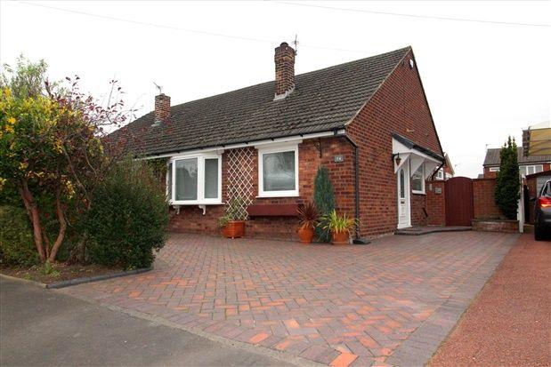 Thumbnail Bungalow to rent in Coniston Drive, Walton-Le-Dale, Preston