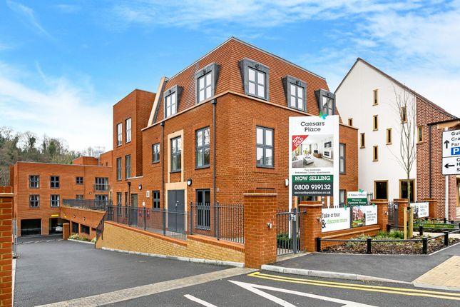 Thumbnail Flat for sale in Ockford Road, Godalming