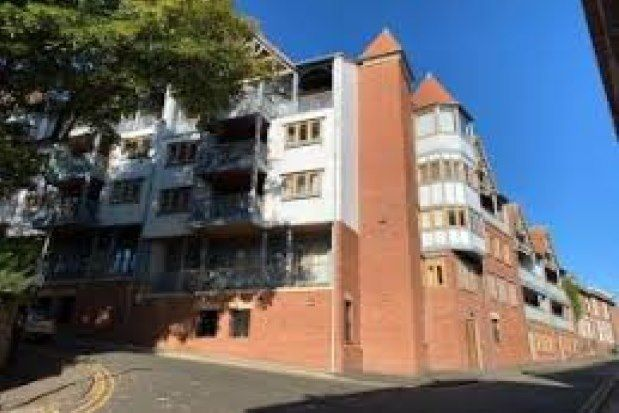 2 bed flat to rent in Foregate Street, Chester CH1