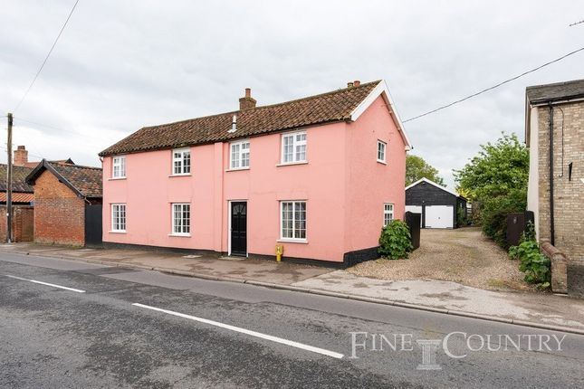Thumbnail Detached house for sale in High Street, Hopton, Diss