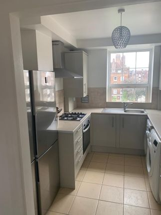 Thumbnail Flat to rent in Cheviot House, Stamford Hill