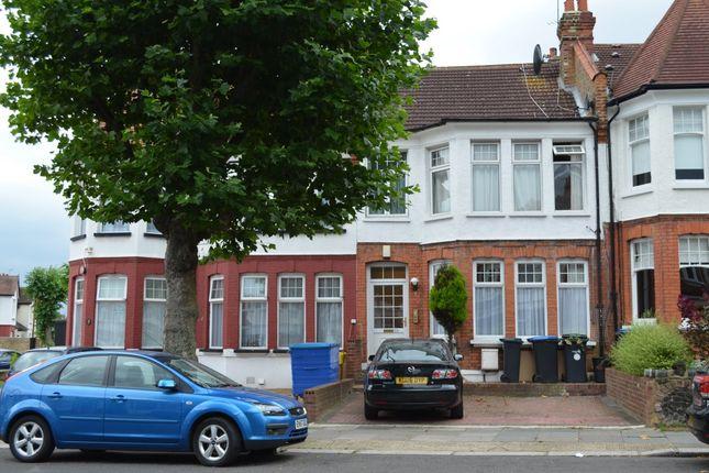 Thumbnail Flat to rent in Fox Lane, London
