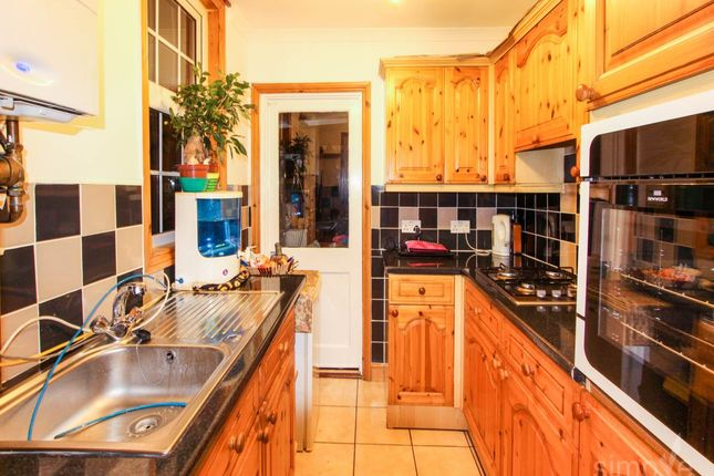Thumbnail Property to rent in Bath Road, Hayes, Middlesex