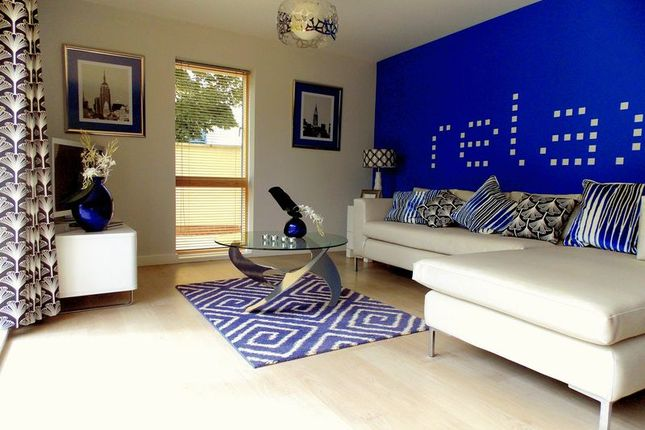 Flat for sale in Trout Road, Yiewsley, West Drayton