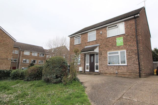 Thumbnail Detached house to rent in Forest Road, Colchester