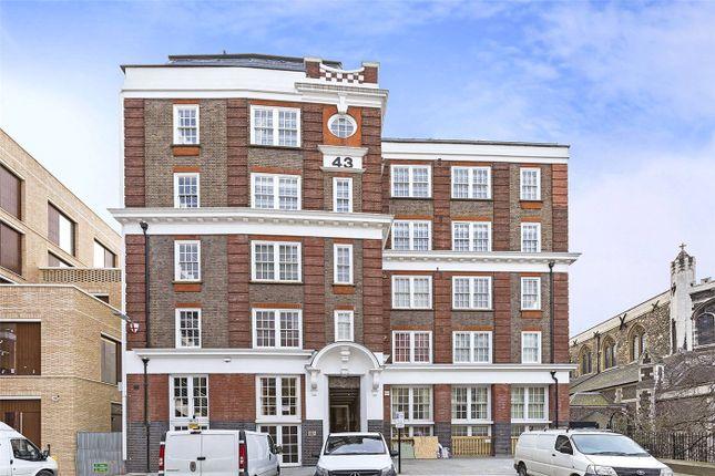 Flat for sale in Bartholomew Close, London