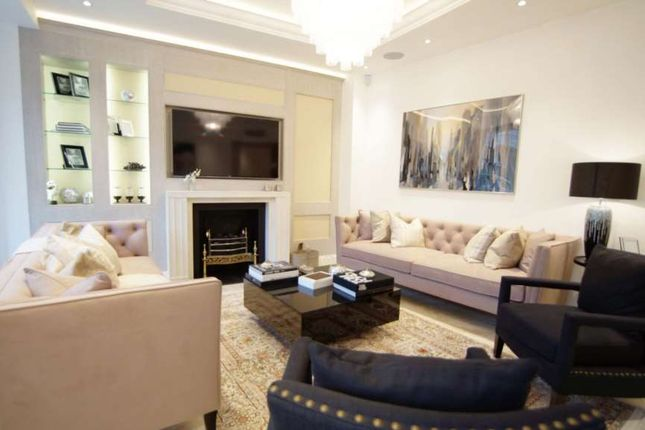 Thumbnail Flat to rent in Knightsbridge, London