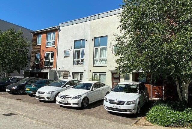 Thumbnail Terraced house to rent in Hyde Grove, Dartford