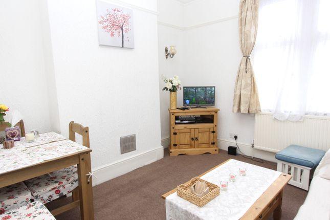 2 bed maisonette for sale in Kilburn Lane, London