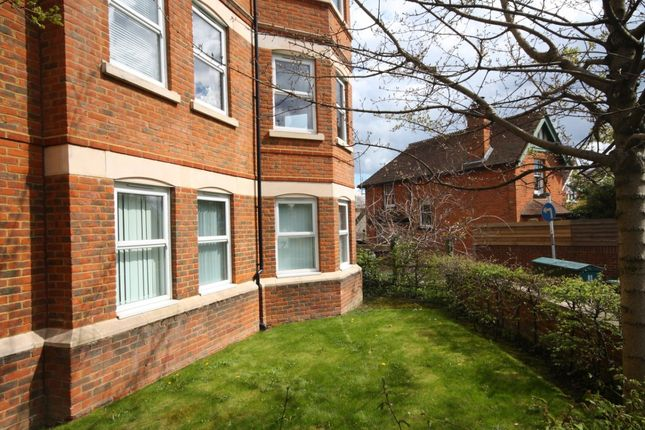 1 bed flat to rent in Constitution Hill, Woking
