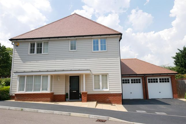Thumbnail Detached house to rent in Hastings Avenue, Cheshunt, Waltham Cross