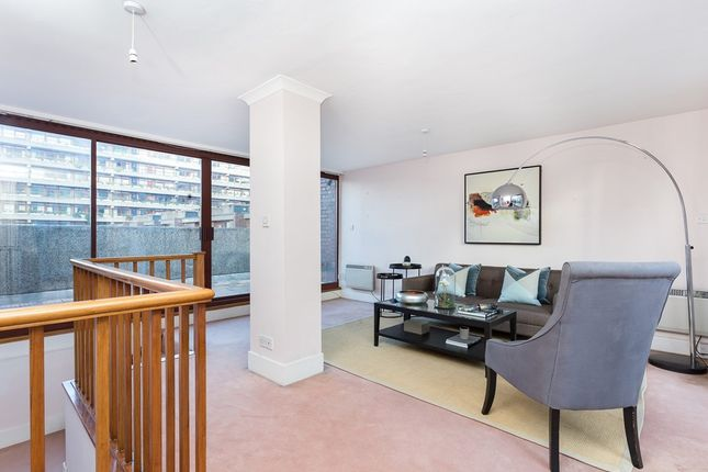 Thumbnail Terraced house to rent in Wallside, Barbican