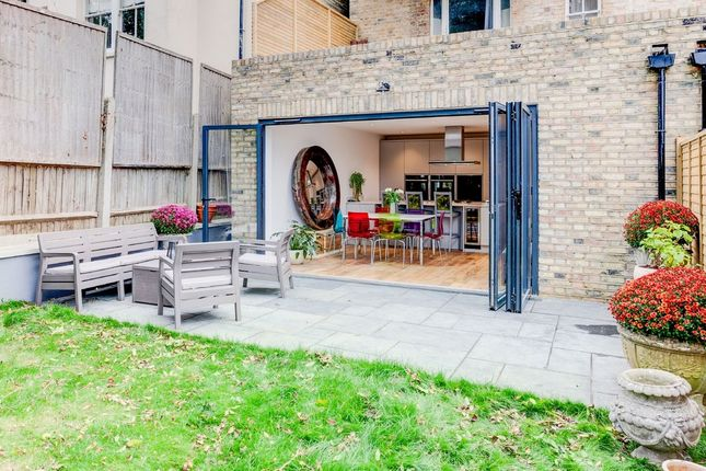 Thumbnail Flat for sale in Belvedere Road, London