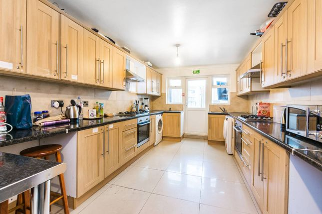 Thumbnail Property for sale in Devonshire Close, Stratford