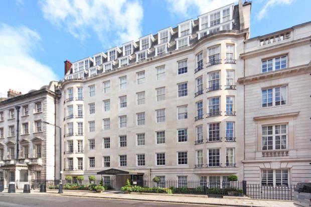 Thumbnail Flat for sale in Upper Grosvenor Street, London