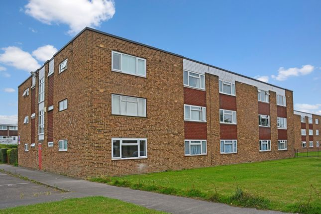 Thumbnail Studio to rent in Selwyn Court, Aylesbury