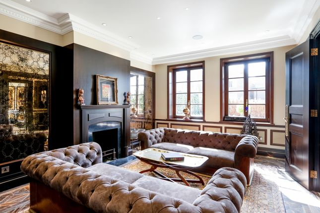 Thumbnail Detached house to rent in Lambourne Avenue, London