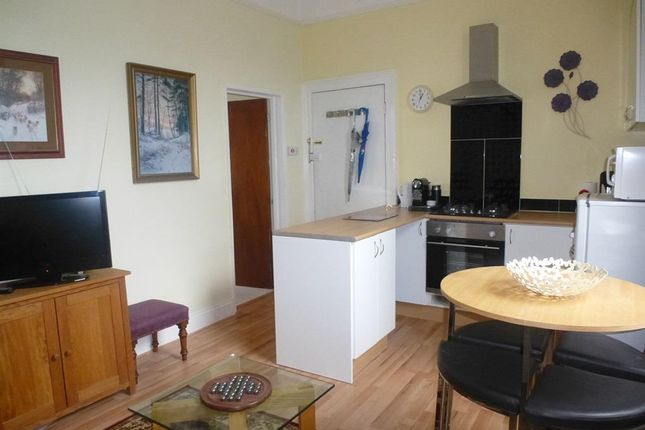 Thumbnail Flat to rent in Queens Road, Lipson, Plymouth