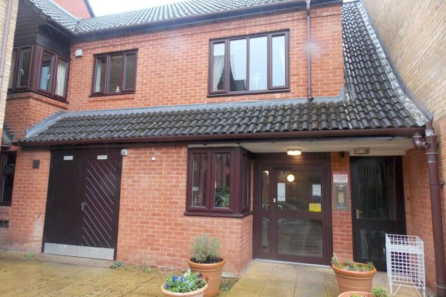 Thumbnail Property for sale in Kingfisher Court, Woodfield Road, Droitwich