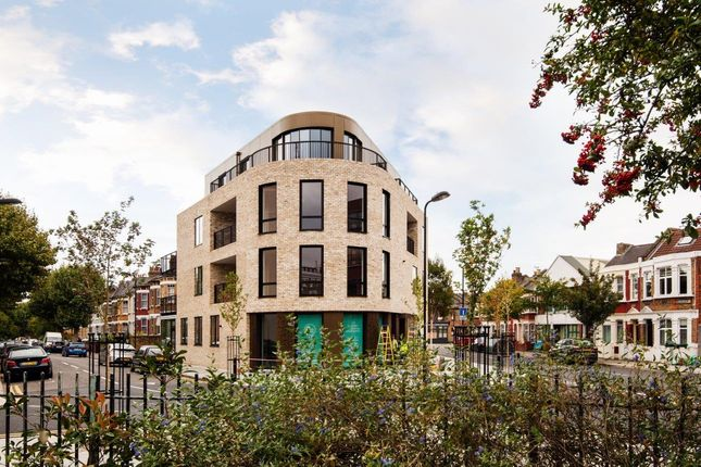 Thumbnail Flat for sale in Millfields Road, London