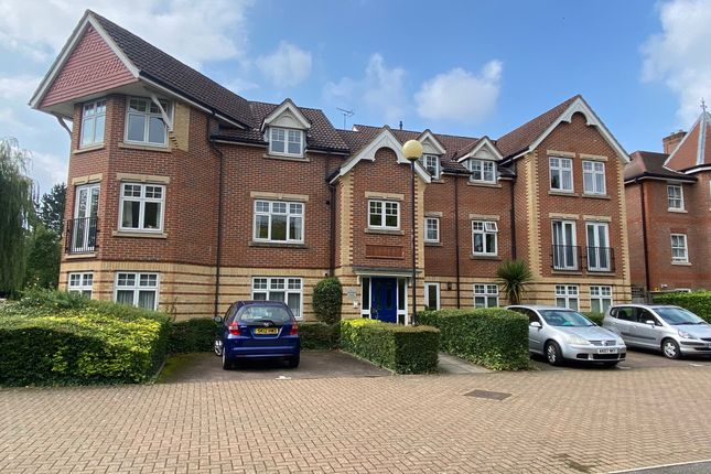 2 bed flat for sale in Grandfield Avenue, Watford WD17