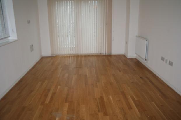 Thumbnail Flat to rent in 48 Varcoe Gardens, Hayes
