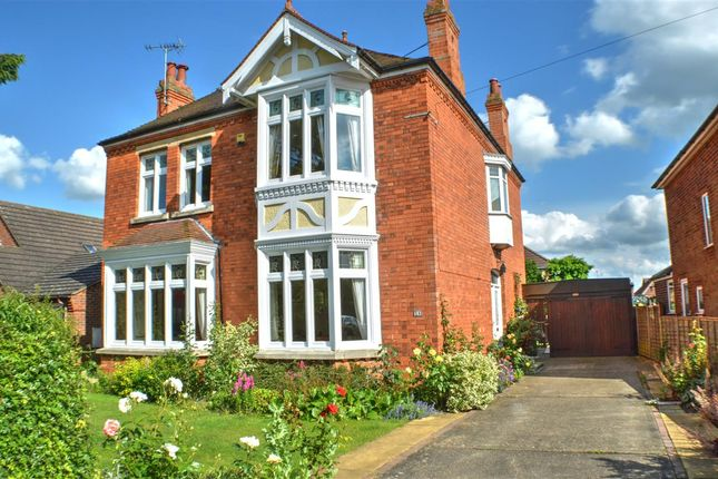 Thumbnail Detached house for sale in London Road, Sleaford
