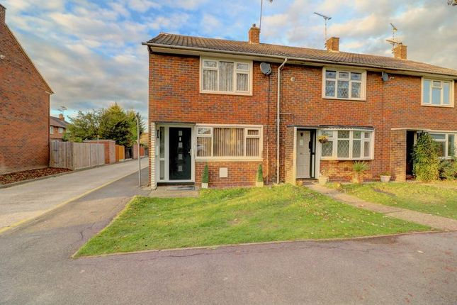 Thumbnail Terraced house for sale in Witchards, Basildon