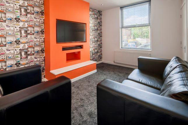 Thumbnail End terrace house to rent in Chiswick Terrace, Headingley, Leeds