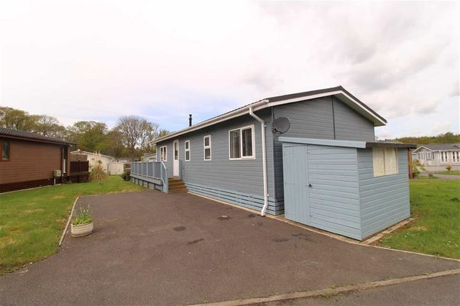 Thumbnail Mobile/park home for sale in Westfield Lane, Hastings, East Sussex