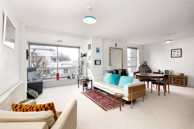 Thumbnail Flat for sale in Valiant House, Vicarage Crescent, London